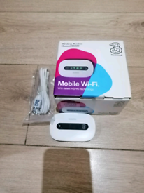 4G Wi-Fi dongle on 3G network complete with manual in box