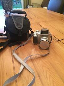 Fujifilm S3500 camera 4mp 6xop