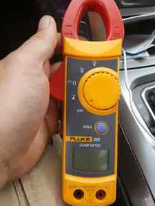 FLUKE 322 METER WITH LEADS