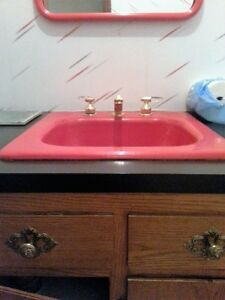 Red sink and accessoires