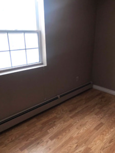 Looking for female roommate - Browns Court