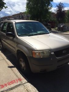 Ford Escape SUV XLT 2001 -800$
