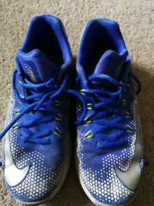 Boys Runners Size 6