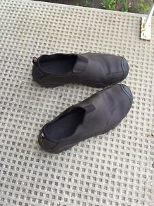 Size 14 Mens keen slip on dress shoes in great condition.