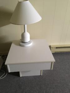 Table et 2 lampes