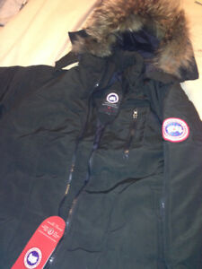 Brand New Canada Goose Parker Jacket for Men Large