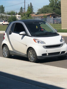 Smart car Smartcar Mercedes compact fuel efficient cheap