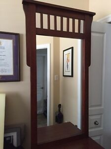 SOLID OAK Front hall mirror stand London Ontario image 2