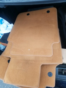 Range rover 2005-2013 carpets like new set
