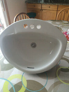 Excellent White Crane Bathroom Sink with Strainer London Ontario image 2