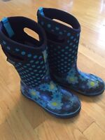 Girls BOGS. Youth size 3