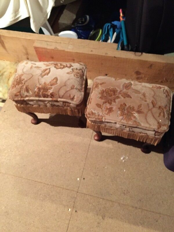 2 foot stools