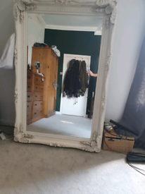 Wall standing mirror