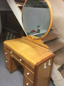 Antique Vanity Kijiji In Calgary Buy Sell Save With Canadas