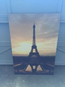 Eiffel Tower Picture NEED GONE!