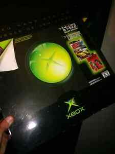 Original Xbox with the box