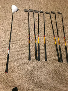 Men's RH Taylormade Driver and iron set