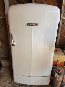 50s Philco Fridge works great, complete