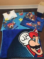TWIN SIZE , SUPER MARIO BROS. BED SET WITH CURTAINS