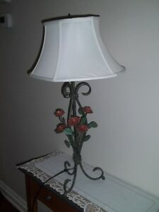 REDUCED Table Lamp with Shade 3-way lighting