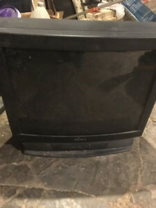 2 TVs SONY and Zenith