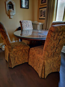 LOVELY Dining Set. Custom upholstered chairs. *PRICE LOWERED*