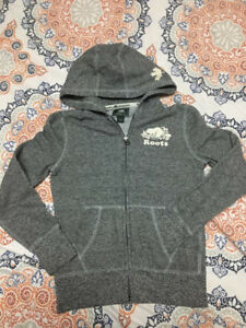 Roots Hoodies Sweater size 9/10 kids