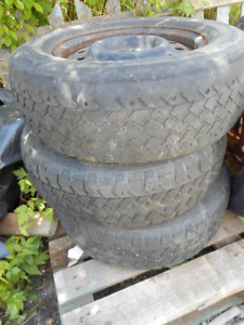 3 STUDDED TIRES P215/70R15 on rims 30 for 3