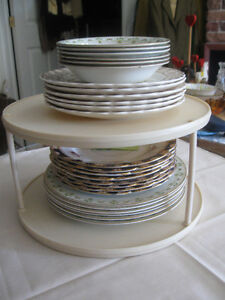 ROUND LAZY-SUSAN-STYLE 2-TIER PLATE-STACKING-CADDY..