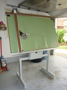"Drafting table for sell 38""x60"""