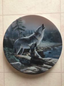 Collector plate - wolves