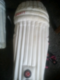Boys cricket pads