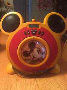 Mickey Mouse  AM/FM Radio/CD player