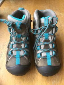 Women 's shoes. Targhee Ii Waterproof Boots. NEW.