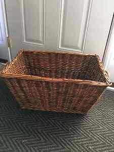 Large natural wicker basket