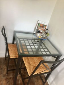 Table set / Square Table and 2 Chairs - $60