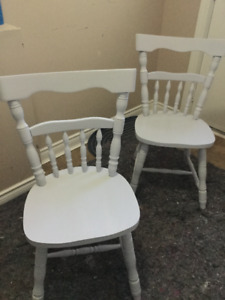 delivery included- set of 2 dining chairs