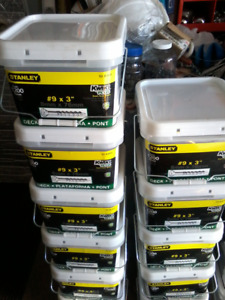 """Tubs of 1200 Green #9 3"""" Deck Screws ONLY 4 LEFT"""