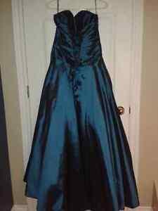 Robe de fille d'honneur ou de bal Gatineau Ottawa / Gatineau Area image 4