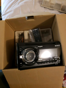 Sony WX-900BT Double Din stereo