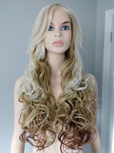 BRAND NEW: Deluxe Curly Gradient Blonde Brown Wig
