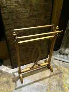 ITALIAN HANDCRAFTED - WOOD TOWEL RACK Windsor Region Ontario image 2