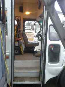 1988 FORD ECONOLINE 350 BUS with Wheelchair Lift Prince George British Columbia image 7