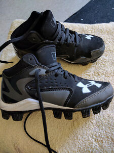 Kids under armour baseball cleats