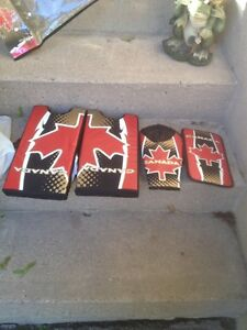 CANADA TYKE GOALIE SET/TOYS/HOCKEY