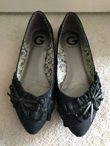 G by Guess flats