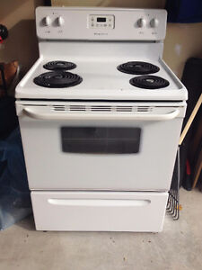 Clean and Works Perfectly Frigidaire Fridge Kitchener / Waterloo Kitchener Area image 1