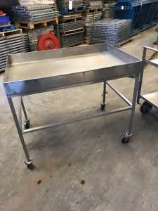 STAINLESS STEEL TOOL STORAGE CART - IN EUC