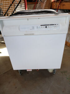 Maytag Dishwasher White - Built In - Works Great