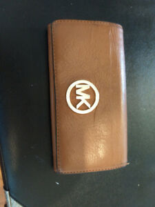 Micheal Kors Leather Walllet